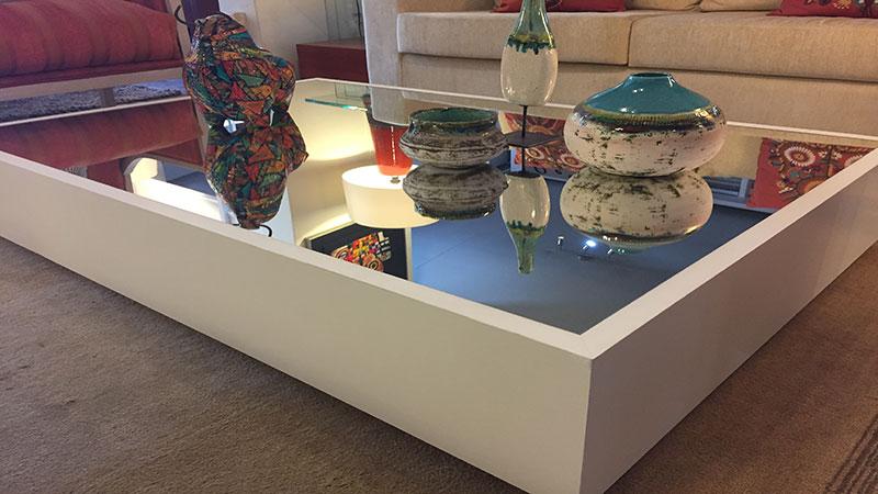 Mesa centro espejo alto madero for Mesa espejo